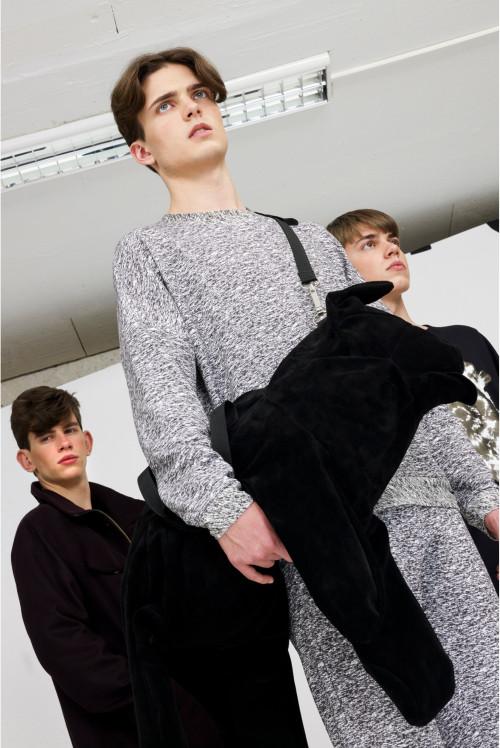 Heavy Sweater – Black &...